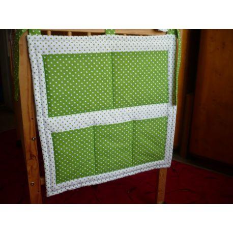 Kapsář zelená, bílá puntík